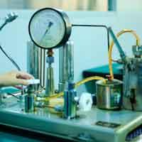 تاريخ عدادات التدفق المغناطيسي والمزايا والقيود
